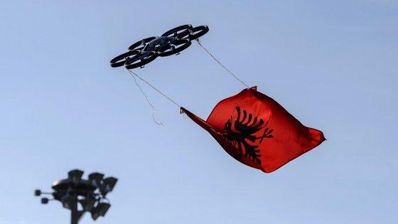 A 2 de novembro, adeptos albaneses voltaram a pilotar um drone com a bandeira do país, desta feita diante da sede da UEFA em Nyon, na Suíça