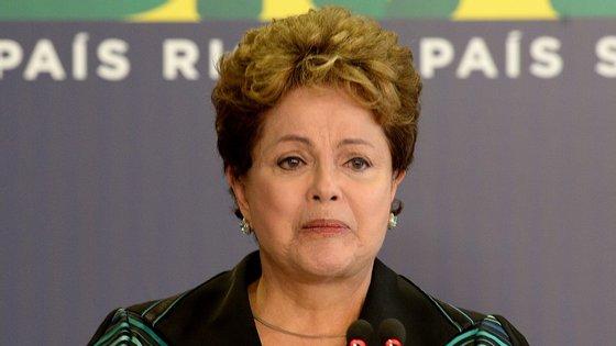 Dilma Rousseff recebeu, entre lágrimas, o relatório final da Comisão da Verdade.