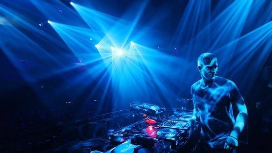 O DJ alemão Ben Klock vai dar seis horas de música no Gare Porto
