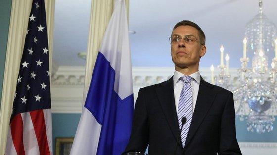 Primeiro-ministro finlandês lançou avisos à Grécia antes das eleições de 25 de janeiro