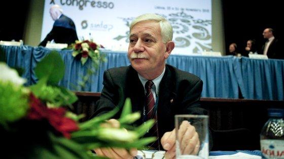 José Abraão vai tentar impedir despedimentos na Segurança Social