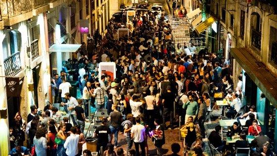Rua Nova do Carvalho regenerou-se nos últimos anos
