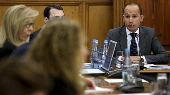 Partidos voltaram a discutir sobre impedimento de trabalhadores assistirem à audição do ministro Mota Soares