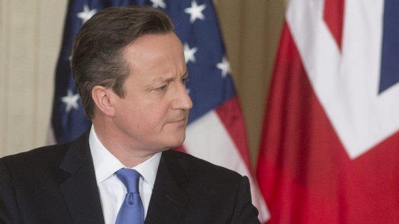 """""""Numa sociedade livre existe o direito de ser ofensivo com a religião dos outros"""", disse David Cameron"""