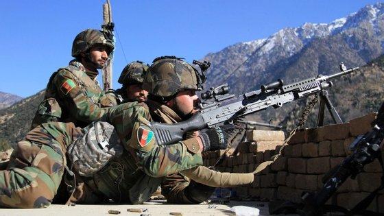 Tropas do exército afegão conseguiram recuperar várias áreas montanhosas de Dangam