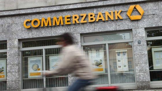 BCE travou a fundo na compra de dívida nacional. Acesso aos mercados em risco, diz o Commerzbank