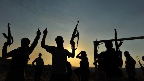 O Estado Islâmico executa as pessoas que se mostrem contra o grupo alegando que renunciaram à religião