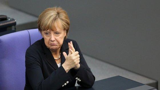 A dissolução da troika só avançará se Grécia e União Europeia chegarem a um acordo para a solução pós-fim do resgate