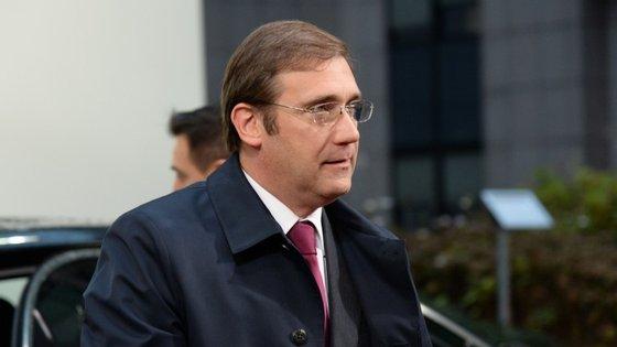 Primeiro-ministro prepara-se para ir ao Conselho Europeu, o primeiro com a participação do presidente da Grécia, Alexis Tsipras.