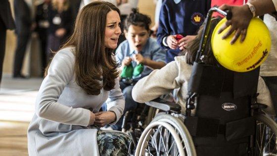 Kate Middleton tem lidado de perto com os problemas infantis