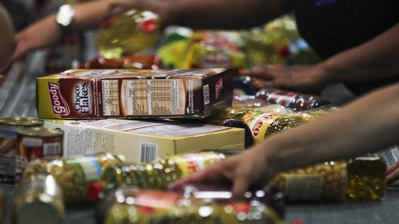 """O desconhecimento das diferenças entre """"consumir até"""" e """"consumir preferencialmente antes de"""" pode levar a um """"desperdício desnecessário"""""""