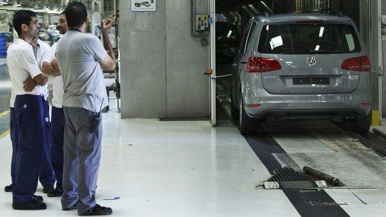 O incêndio na fábrica Dura Automotive obrigou a marca a alterar o seu esquema de produção.