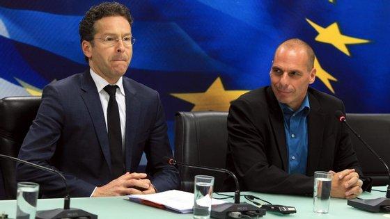 As negociações foram difíceis. No final, o presidente do Eurogrupo falou com Tsipras e não com Varoufakis