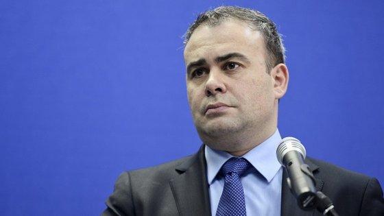 Darius Valcov é suspeito de corrupção e tráfico de influências.
