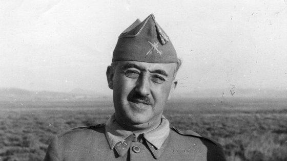 Francisco Franco ganhava menos de 2.300 pesetas em 1935, como Chefe do Estado Geral das Forças Armadas espanholas, um ano antes de liderar o Golpe de Estado que daria origem à Guerra Civil (1936-1939) no país