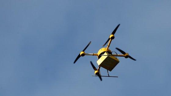 Também o Deutsche Post tem testado a entrega via drone