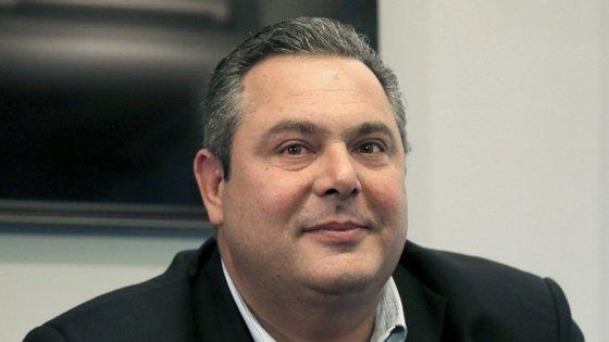 """""""Não percebo porque é que Schaeuble se vira contra a Grécia todos os dias"""", disse Panos Kammenos na entrevista ao jornal alemão"""