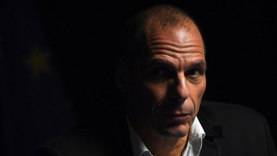 """""""Common People"""" fala da mulher de Varoufakis? Há quem diga que sim..."""