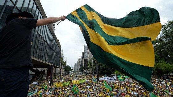 Protestar contra a corrupção foi o principal motivo do protesto, segundo sondagem da Datafolha