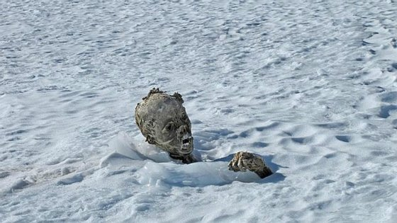 Pensa-se que as duas múmias são de alpinistas desaparecidos, segundo a ABC.