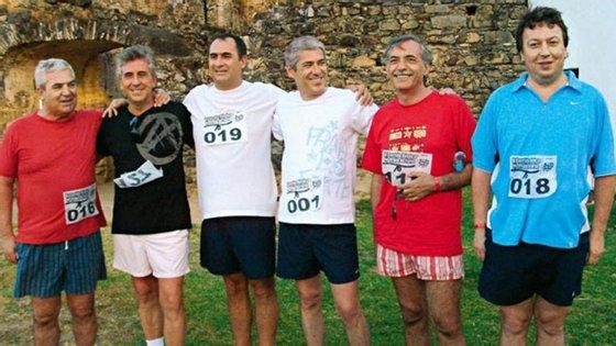 Carlos Santos Silva (à direita) criou ou esteve ligado a 33 empresas em apenas 28 anos