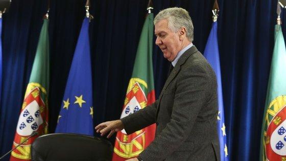 Luís Marques Guedes lembra que o governo está em funções e que estas despesas têm de ser autorizadas com antecedência