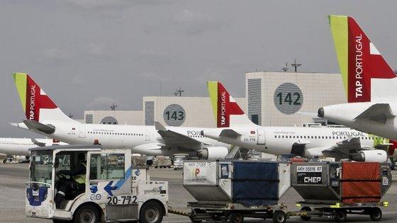 """A ANA - Aeroportos de Portugal alertou para a possibilidade de o tráfego aéreo """"sofrer algum constrangimento"""""""