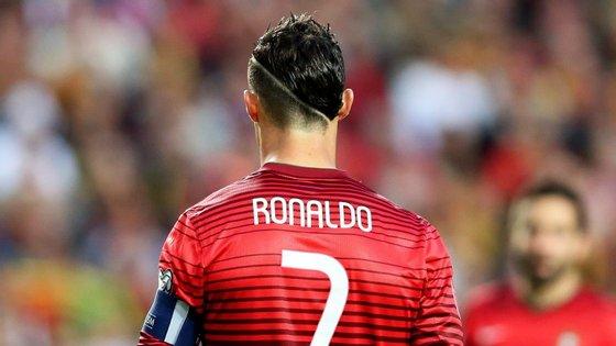 """Todos os jovens """"querem jogar futebol e querem ser como o Cristiano Ronaldo"""" e que essa identificação ajuda na aprendizagem"""