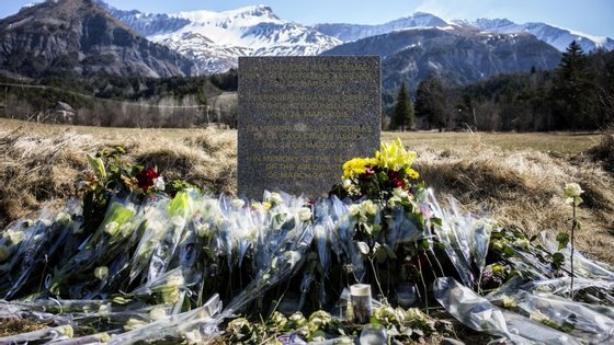O voo Airbus 320 da Germanwings viajava de Barcelona para Dusseldorf despenhou-se nos Alpes