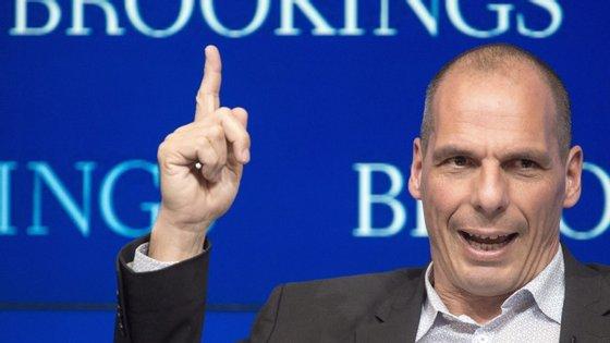 """Grécia em recessão? É um """"investimento, e como qualquer investimento envolve um custo de curto prazo""""."""