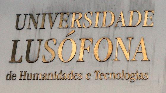 Em 425 processos de creditação, 152 continham ilegalidades e por isso mesmo a Lusófona terá de anular equivalências