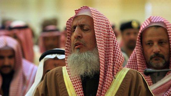 """O líder religioso terá também dito que a rede social Twitter era """"a fonte de todo o mal"""""""