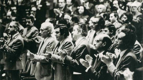 Álvaro Cunhal e Mário Soares na tomada de posse da Assembleia Constituinte