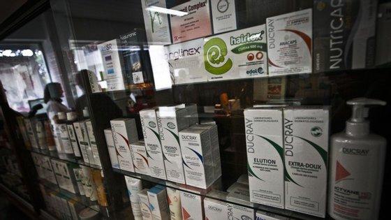 Entre agosto de 2013 e dezembro de 2014, faltaram cerca de cinco milhões de embalagens de medicamentos nas farmácias todos os meses