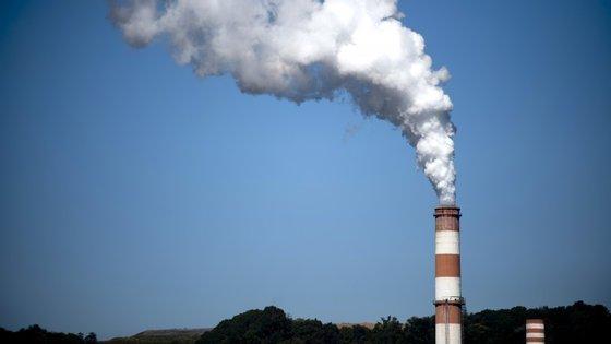 A poluição do ar ultrapassou, nas preocupações dos portugueses, as questões da água, e passou a ocupar o primeiro lugar
