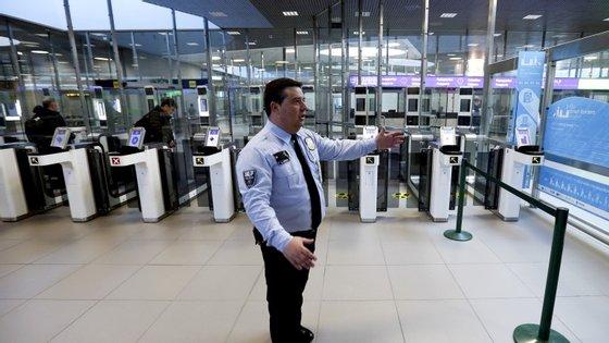 Inpetores do SEF foram chamados a reforçar aeroportos de Lisboa, Porto e Faro