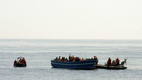 Do total dos 20.000 refugiados a acolher no imeadiato, a Comissão estima que Portugal ficará com uma quota de 3,52%