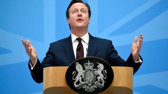 o plano do governo para controlar a imigração terá três vertentes: combater o trabalho ilegal, reformar as regras laborais e renegociar com a União Europeia (UE) as diretrizes em termos de imigração