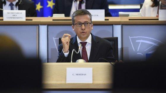 """O """"Plano Juncker"""", proposto pelo presidente da Comissão Europeia, Jean-Claude Juncker, prevê um fundo que permita relançar a economia europeia"""