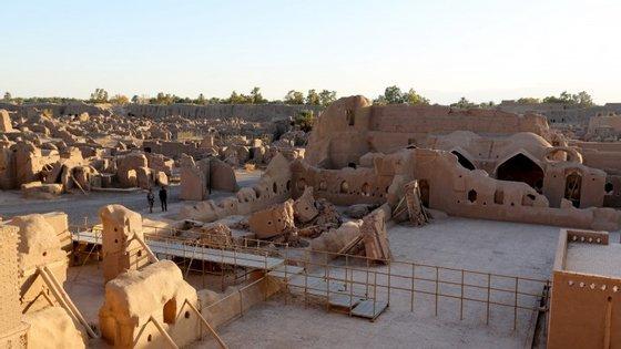 A parte velha de Bam, cidade iraniana que, em 2003, foi abanada por um sismo de 6.6 de intensidade na escala de Richter, fotografada dez anos depois