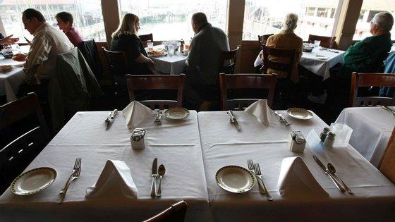 O restaurante deveria servir pratos cozinhados com carne humana