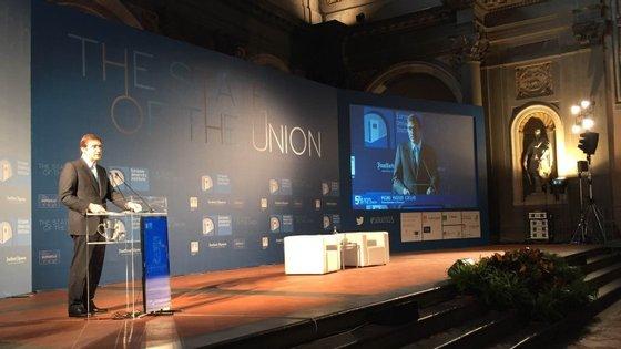 Passos defende que o Presidente do Eurogrupo se torne permanente, criando uma nova personagem na estrutura de poder da UE
