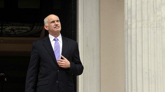 George Papandreou ascende de uma conhecida família política grega. Tal como ele, o seu avô, Georgios Papandreou, e o seu pai, Andreas Papandreou, também subiram ao cargo de primeiro-ministro grego