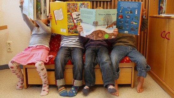 Psicólogos defendem que nas férias as crianças devem conjugar leitura com brincadeiras didáticas