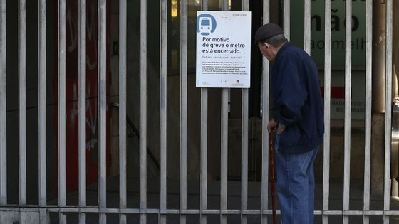 A greve, a oitava realizada este ano, pretende protestar contra a subconcessão da empresa