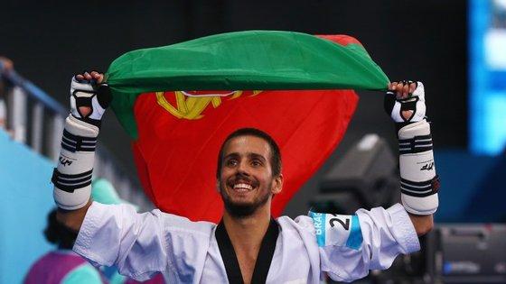 Rui Bragança é de Guimarães, é o terceiro classificado do ranking mundial de taekwondo (-58kg) e está no quinto ano do curso de medicina na Universidade do Minho