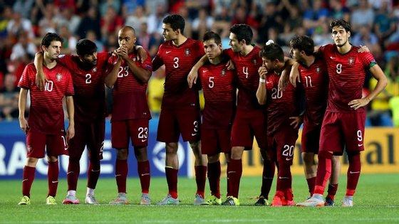 Foi dali, do meio campo, que Bernardo Silva viu Ricardo Esgaio e William Carvalho falharam os penáltis. Só aí, nos pontapés a 11 metros da baliza, é que a Suécia conquistou o Europeu Sub-21