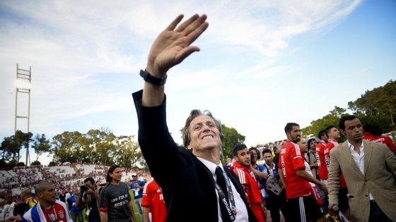 Jorge Jesus tem contrato com o Benfica até 30 de junho e, no dia seguinte, será apresentado oficialmente no Sporting