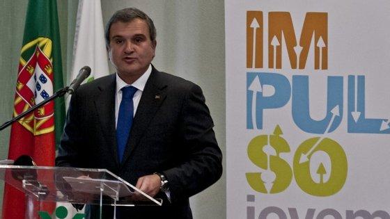 Enquanto a ação não for decidida em tribunal, a Lusófona não poderá anular a licenciatura do ex-ministro