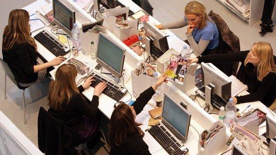 A ascensão do multi-tasking é alimentada pela tecnologia e pelas mudanças sociais